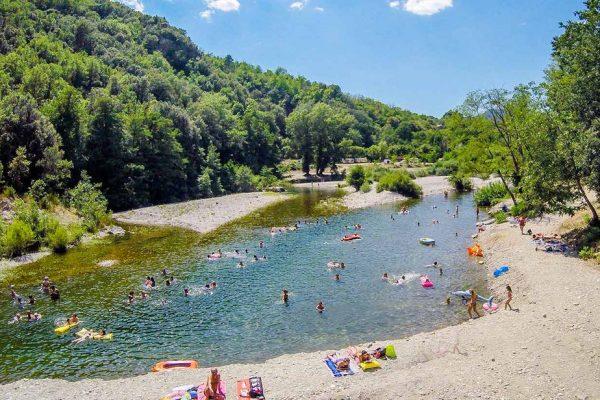 Pourquoi choisir de passer ses vacances au Camping Les Plans ?
