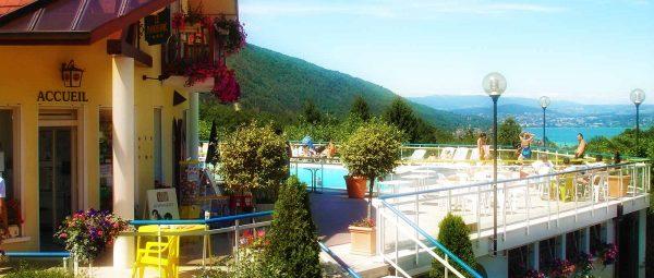 Quelles location d'hébergement choisir au camping Les Fontaines ?
