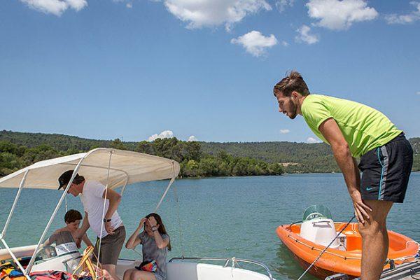 Découvrez la base nautique du camping de la Farigoulette