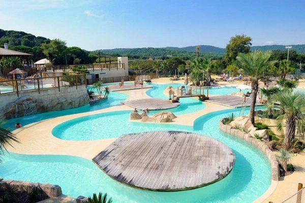 Quelle ville de la Côte d'Azur se prête le plus au camping ?