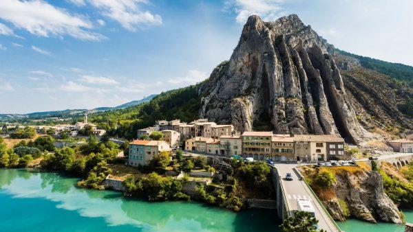 Vacances à Sisteron : comment les passer en camping ?